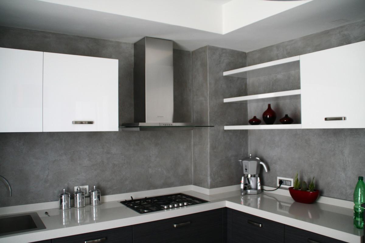 Stunning Resina Per Piastrelle Cucina Contemporary - Embercreative ...