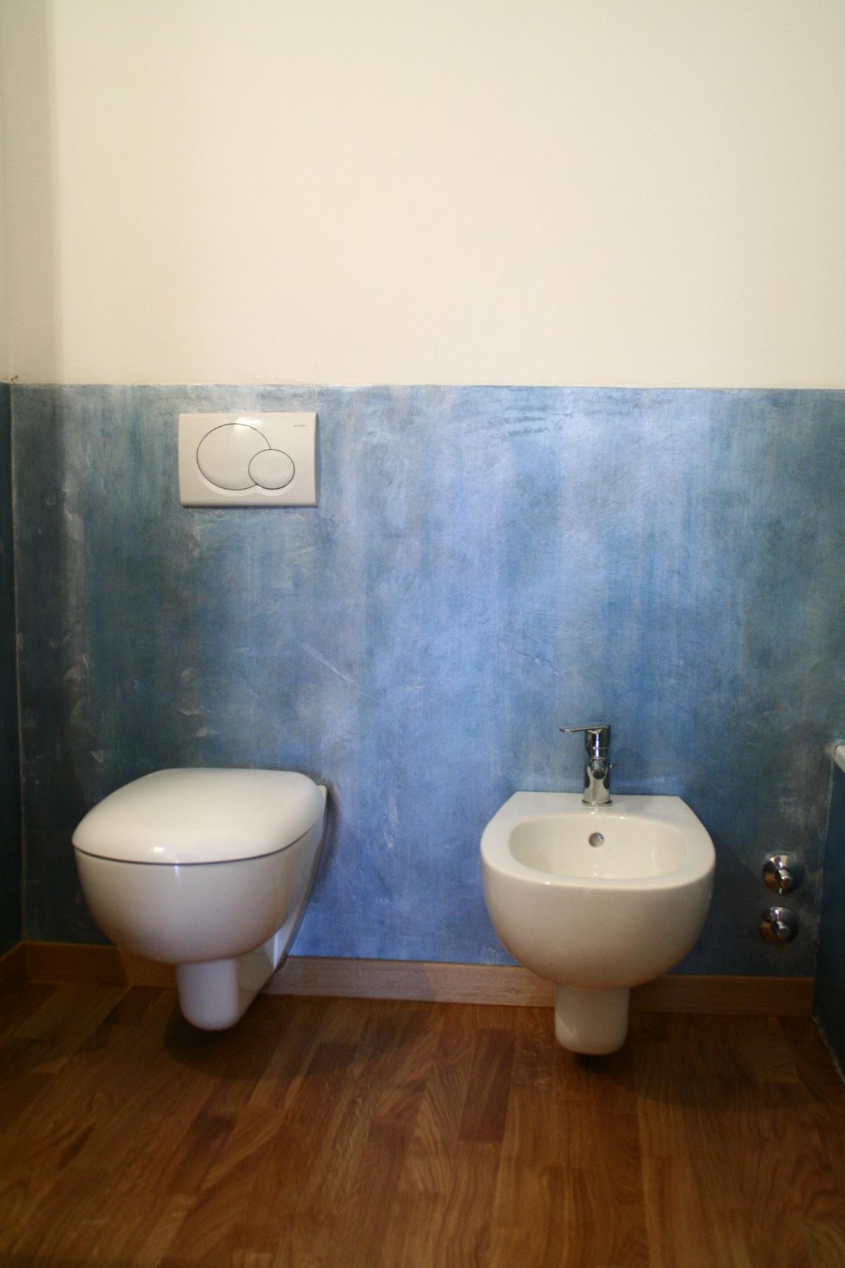 Boiserie resina blu miko design - Boiserie bagno valentino ...